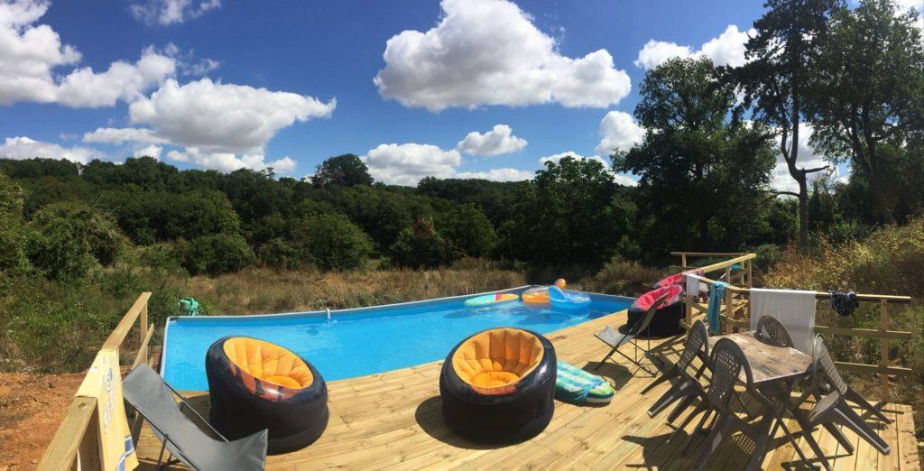la piscine du château du Boux